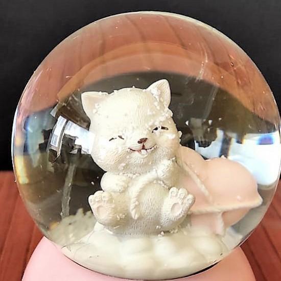 Pembe Kedi Temalı Orta Boy Işıklı Müzikli Kar Küresi