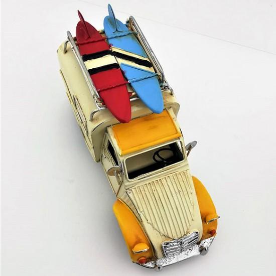 Dekoratif Görünümlü Kumbaralı ve Çerçeveli Nostaljik Metal Araba