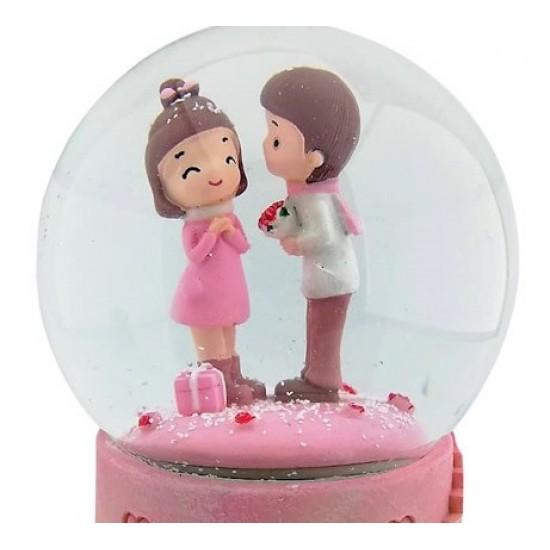Evlilik Teklifi Eden Tatlı Kar Küresi