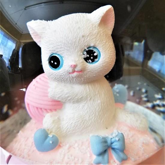 Sevimli Kedi Temalı Işıklı Müzikli Kar Küresi Orta Boy