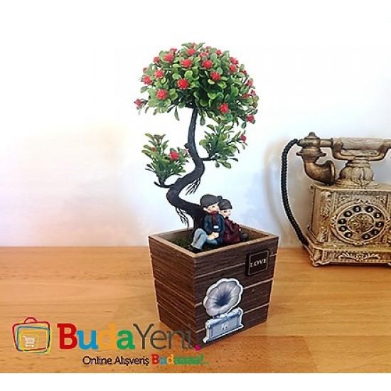 Ağaç Altında Sırtsırta Oturan Sevgili Biblosu