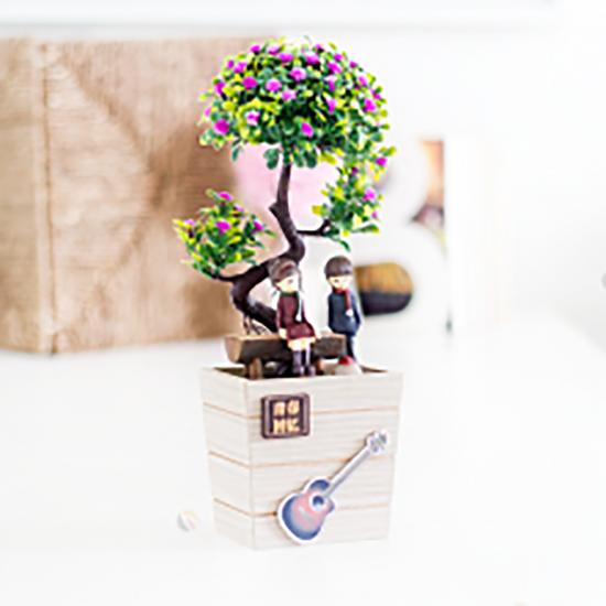 Ahşap Saksılı Yapay Çiçek Sevgili ve Gitar Temalı (Model2)