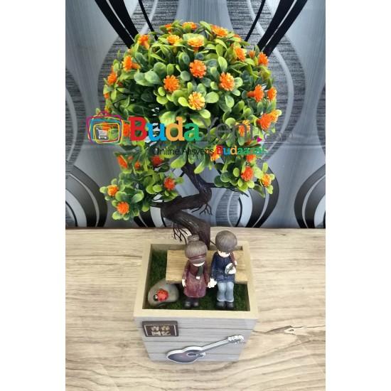 Ahşap Saksılı Yapay Çiçek Sevgili ve Gitar Temalı