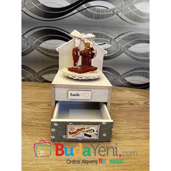 Dikiş makinesı temalı müzik kutusu