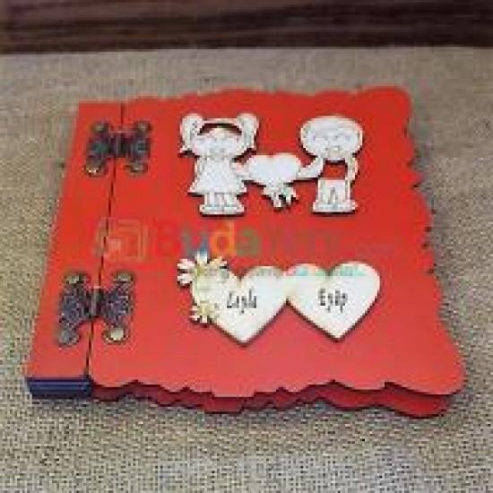 Mutlu Aşıklar İsme Özel Ahşap Kapaklı Hatıra Defteri (Kırmızı)