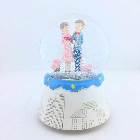Mutlu Çiftler Işıklı  Kar Küresi ve Müzik Kutusu