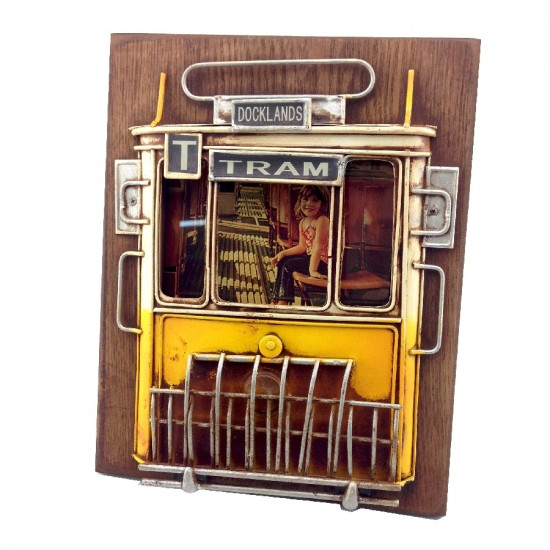Nostaljik Metal Sarı Tramvay Tasarımlı Resim Çerçevesi