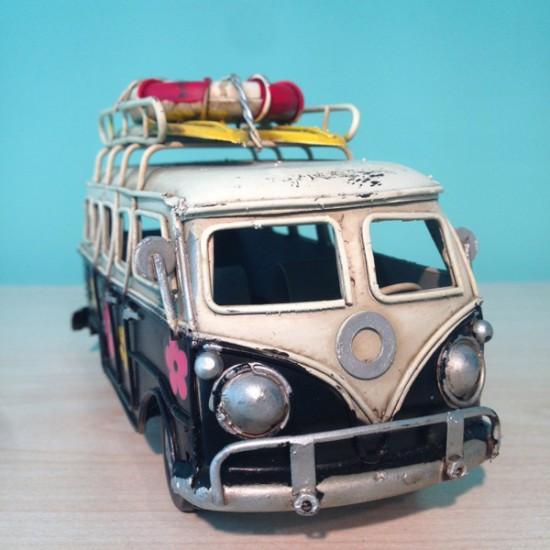 Nostaljik Siyah Çiçekli Vosvos Minibüs