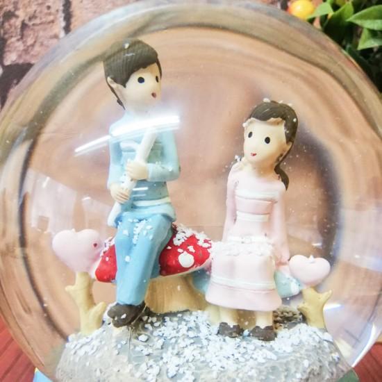 Sevgilisine Fülüt Çalan Işıklı  Kar küresi