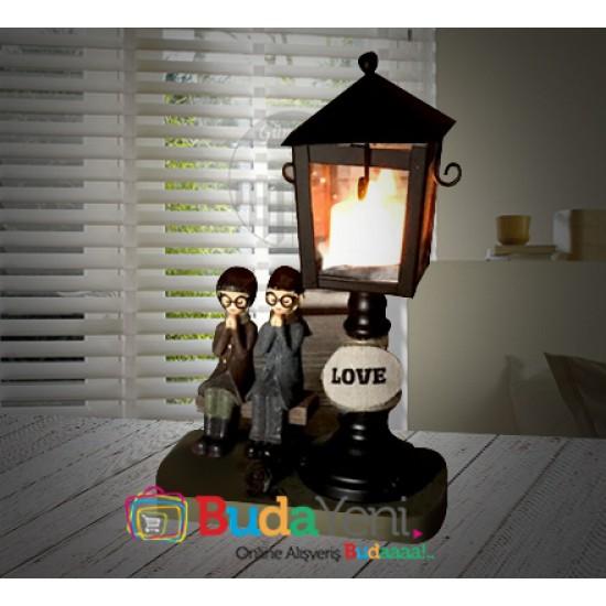 Sokak Lambası Altında Buluşan Oturan Sevgililer Ahşap Büyük Boy Gece Lambası